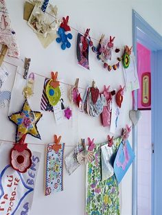"""Art work display- some kind of string with 'chip"""" clips. Featured on ikea family live Art For Kids, Crafts For Kids, Arts And Crafts, Diy Crafts, Kid Art, Craft Kids, Room Deco, Ikea Family, Hallway Designs"""