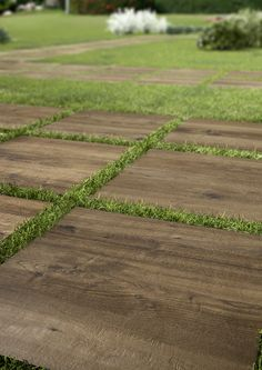 - outdoor wood effect thick tiles Patio Design, Garden Design, Landscaping Design, Outdoor Landscaping, Outdoor Tiles, Outdoor Decor, Small Patio Ideas Townhouse, Country Patio, Terrazo
