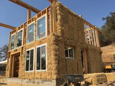 •°•✧ Pinterest - @                            Luke Smith🇮🇪 Cob Building, Building Systems, Green Building, Building A House, Dream Home Design, House Design, Straw Bale Construction, Adobe House, Build Your Own House