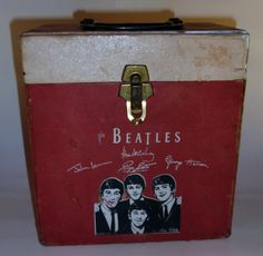 beatles record case   case estimate £ 100 £ 150 and this round disk go case