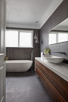 Bathroom Renovations Melbourne 2019 A contemporary dark and dreamy bathroom renovation is always a good idea. The post Bathroom Renovations Melbourne 2019 appeared first on Bathroom Diy. Dark Bathrooms, Modern Master Bathroom, Small Bathroom, Bathroom Ideas, Budget Bathroom, Bathroom Remodeling, Bad Inspiration, Bathroom Inspiration, Bathroom Interior Design