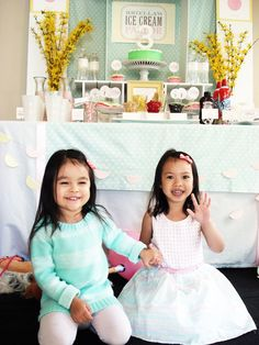 Pin for Later: This Ice Cream Parlor Birthday Will Melt Your Heart 3rd Birthday Party For Girls, Birthday Bash, Birthday Celebration, Love Ice Cream, Ice Cream Parlor, Mint Cake, Sundae Bar, Pink Envelopes, Cute Cupcakes