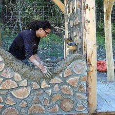 could be good for an inside wall or maybe round a window or even an outside garden wall. Natural Building, Green Building, Building A House, Casas Cordwood, Cordwood Homes, Earthship Home, Natural Homes, Earth Homes, House In The Woods
