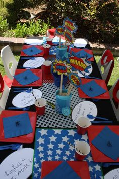 39 Ideas Birthday Table Settings For Men Center Pieces Birthday Party Table Decorations, 5th Birthday Party Ideas, Birthday Party Tables, Superhero Birthday Party, Birthday Kids, Ideas Party, Spider Man Party, Avenger Party, Superman Party