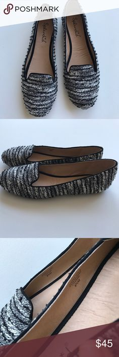 New Splendid black and white tweed flats Brand new without box, adorable flats by Splendid. Purchased at Sak's outlet but never worn. Store's Sticker on the bottom mislabeled as 8 but they are 8.5 and run true to size. Properly factory marked 8 1/2 on interior. Splendid Shoes Flats & Loafers