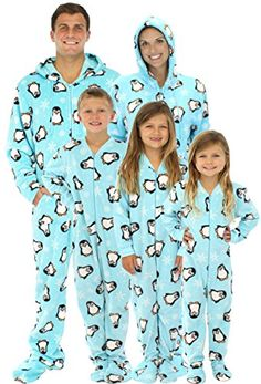 One of my favorite Christmas Eve traditions is getting new Christmas pajamas. Here is a roundup of our favorite pajamas for the whole family