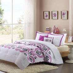 Intelligent Design Becky Comforter Set