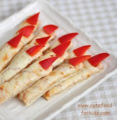 "Cute Food For Kids?: 27 Halloween ""Finger Food"" Ideas    -- use pepperoni instead of red peppers if you's like"