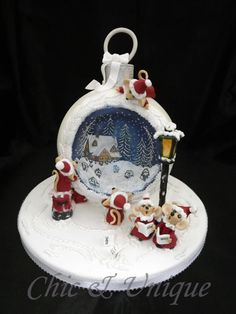 The Christmas Mice Choir - Cake by Sharon Young
