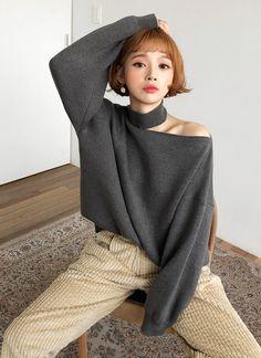 カットアウトハイネックニット・全4色 Turtle Neck, Wool, Knitting, My Style, Womens Fashion, Sweaters, House, Ideas, Dresses