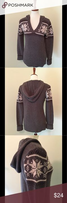 "Ruff Hewn sweater/hoodie V-neck Ruff Hewn sweater/hoodie.  The sweater is 25"" long and is made of a blend of acrylic/nylon/wool size M Ruff Hewn Sweaters V-Necks"