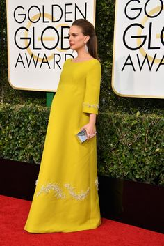 Natalie Portman wears Prada to the 2017 Golden Globes