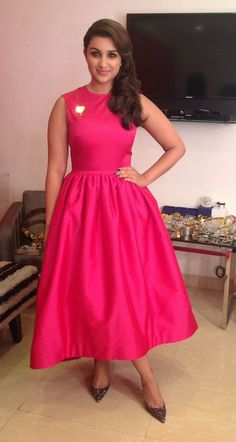parineeti in pink