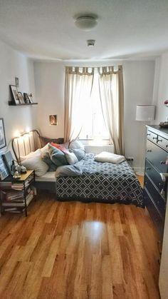 Uberlegen Gemütliches Schlafzimmer Mit Vielen Kissen, Büchern Und Lichterkette. # Schlafzimmer #Einrichtung #Einrichtungsidee