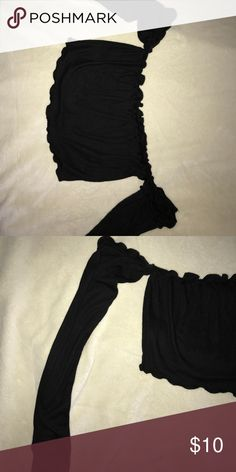 Off the shoulder crop top Black ripped off the shoulder long sleeve crop top size M in womens Tops Crop Tops