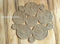 Flower Rug Jute Rug Handmade Rug Natural Jute Rug Braided Jute Rug Bohemian Rug Stuff I could make Rope Rug, Crochet Circles, Braided Rugs, Natural Rug, Rug Making, Handmade Rugs, Crochet Flowers, Bohemian Rug, Double Crochet