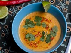 SUPA_DE_DOVLEAC_PLACINTAR Thai Red Curry, Supe, Ethnic Recipes, Food, Red Peppers, Meals, Yemek, Eten