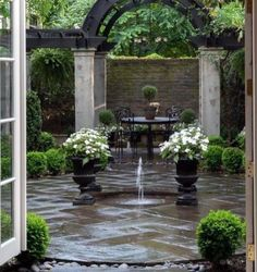 Top 60 der besten Steinplatten-Patio-Ideen - Hardscape-Designs You are in the right place about perg Curved Patio, Slate Patio, Flagstone Patio, Backyard Patio, Backyard Landscaping, Hardscape Design, Small Backyard Design, Garden Design, Modern Backyard