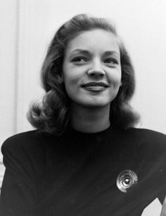 """gatabella: """"Lauren Bacall by Nina Leen, 1945 """" Old Hollywood Stars, Golden Age Of Hollywood, Classic Hollywood, Vintage Glamour, Vintage Beauty, Vintage Ladies, Lauren Bacall, Classic Actresses, Beautiful Actresses"""