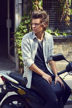 Harry Styles as Harry (: Eventually my fanfic on wattpad- http://www.wattpad.com/39449880?utm_source=web:reading&utm_medium=twitter&ref_id=22206764