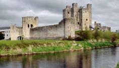 Day Trips from Dublin: Best Castles in Ireland - My Life from a Bag Kilkenny Castle, Norman Castle, Castles In Ireland, Adventure Activities, Republic Of Ireland, Beautiful Castles, Emerald Isle, Ireland Travel, Day Trips