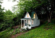 Google Image Result for http://houseandhome.com/sites/houseandhome.com/files/images/1-House-and-Home-Tiny-Cottage.jpg