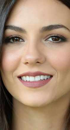 Sweet smile and very beautiful. Most Beautiful Faces, Beautiful Smile, Gorgeous Women, Victoria Justice, Good Looking Women, Woman Face, Beautiful Actresses, Pretty Face, Pretty Woman