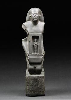 Kniefigur des Nacht-Hor-heb. © Foto: Ägyptisches Museum und Papyrussammlung der Staatlichen Museen zu Berlin - Preußischer Kulturbesitz