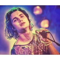 #jettrebel #jettrebelfan #singer #singersongwriter #multiinstrumentalist #guitar #guitarist #musician #music #instamusic #pop #rock #psychedelic #colors #concert #live #face #portrait #thebest #musiclife #sweet #wealllovejettrebel #goodmorning original pic by Frank van den Ing by pebblesstreet https://www.instagram.com/p/BBWtYe9ThF9/ #jonnyexistence #music