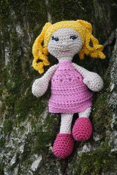 Häkelpuppe Lise, crochet doll Lise Etsy, Vintage, Dolls, Christmas Ornaments, Holiday Decor, Crochet, Amigurumi, Craft Gifts, Schmuck