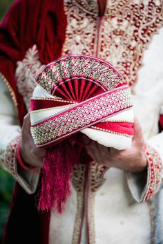 Indian Groom Wedding Portrait in Red and White Sherwani at The Palmetto Club at Fishhawk Ranch Wedding Venue in Tampa Bay Indian Wedding Favors, Indian Wedding Planner, Wedding Ideas, Wedding Dress Men, Wedding Groom, Wedding Outfits, Farm Wedding, Wedding Couples, Boho Wedding