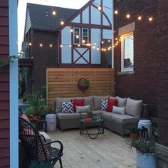 Outdoor deck / patio decorating. #summer #decorate