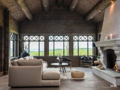 Nyoppført lekker hytte med flott og attraktiv beliggenhet. | FINN.no Chalet Design, Mountain Cottage, Home Reno, Log Homes, My Dream Home, House Ideas, Real Estate, Cabin, Living Room
