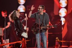 Eric Church performing with Lzzy Hale of Halestorm #TortugaFest//www.tortugamusicfestival.com