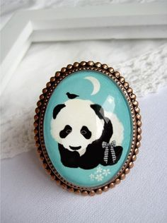 Panda ring by Schmooks (Etsy)