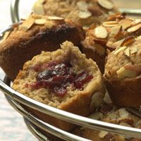 Jam-Filled Almond Muffins A crunchy topping of sugared toasted almonds and a surprise filling of almond-scented berry jam make these whole-wheat muffins reminiscent of Danish pastries. They are perfect for a special breakfast or brunch. Healthy Muffin Recipes, Healthy Muffins, Healthy Brunch, Healthier Desserts, Healthy Breakfasts, Healthy Meals, Brunch Recipes, Breakfast Recipes, Brunch Ideas