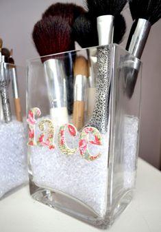 Cute DIY Makeup Brush Storage