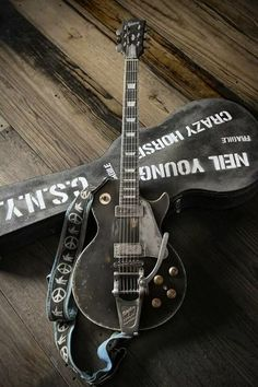 OLD BLACK-Neil Young's guitar
