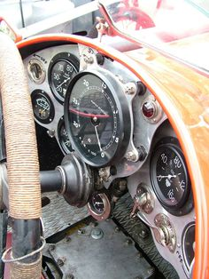 Vintage sports and racing cars pictures. - Page 23 - The Motor Show Old Race Cars, Old Cars, Old Sports Cars, Vintage Race Car, Performance Cars, Porsche 356, Dashboards, Retro Cars, Car Detailing