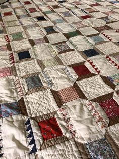 I love the interplay and rhythm created in this two-block quilt. I also find the color palette very pleasing. All in all, it's a quilt I really enjoyed having around while I was repairing it. See more pix and some of the how-to on my blog.  http://annquiltsblog.blogspot.com/2018/05/spools-and-sawtooth.html