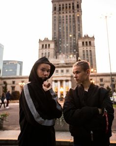 I love this pic and I like Martinus hair soo much Bars And Melody, Dream Boyfriend, Cute Twins, Love U Forever, Twin Boys, Big Love, Love Pictures, Cute Guys, Good Music