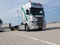 starting the day at #RWG RWG Terminal 2e Maasvlakte #happytuesday #Maasvlakte2 #Scania #automatic