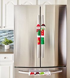 Fantazzy Snowman Kitchen Appliance Handle Covers - Set of 3 - Christmas Kitchen Appliance Decals, Keep Your Kitchen Appliance Clean From Smudges Fingertips Drips Food Stains Merry Christmas, Christmas Wood, Christmas Crafts, Christmas Ornaments, Christmas Ideas, Christmas Snowman, Christmas Material, Christmas Stuff, White Christmas