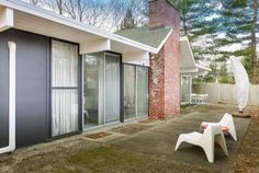 Eichler home in New York, one of just three on East Coast, asks $490K - Curbed