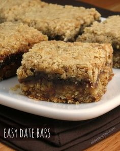 Easy Date Bars are date-filled oatmeal bars that are very quick and easy to prepare. Easy Date Bars are date-filled oatmeal bars that are very quick and easy to prepare. Date Recipes, Sweet Recipes, Healthy Recipes, Recipes With Dates, Köstliche Desserts, Delicious Desserts, Dessert Recipes, Baking Recipes, Cookie Recipes