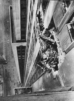 Plane crashes into empire state building.