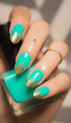 Cleopatra nails are a beautiful glam rock look. Love the combination of turquoise and gold.