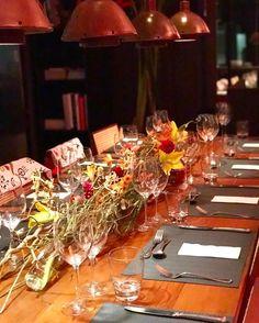 """Mesa da Noite com @neosaldina e @belcoelho cozinhando para um time top de convidados  @tastemakers_oficial  Por mais noites felizes assim e sem """"dor de cabeça"""" ... Amei o convite @anazambon NEOSA! #neosaldina #neosa"""