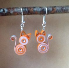 """""""Cat"""" quilling paper rolled earrings - Jewelry World Paper Quilling For Beginners, Paper Quilling Tutorial, Paper Quilling Patterns, Quilled Paper Art, Quilling Techniques, Paper Quilling Earrings, Quilling Work, Origami And Quilling, Quilling Paper Craft"""