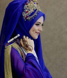 Bridal Hijab, Hijab Wedding Dresses, Disney Wedding Dresses, Hijab Bride, Pakistani Bridal, Indian Bridal, Muslim Brides, Muslim Girls, Muslim Women